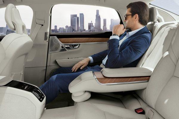 2017_4_11_assets_1266x898_rear_seat