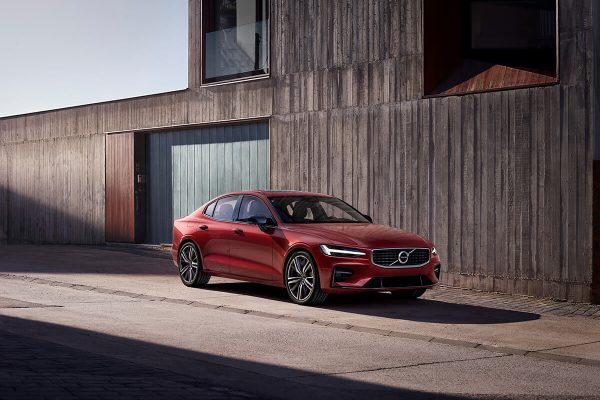230848_New_Volvo_S60_R-Design_exterior