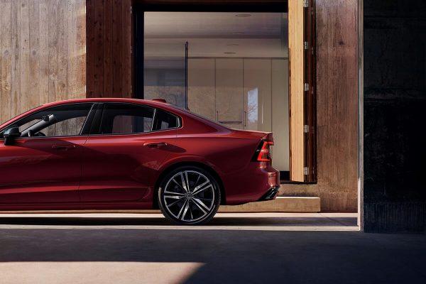 230849_New_Volvo_S60_R-Design_exterior