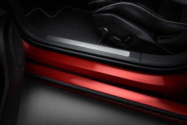 230893_New_Volvo_S60_R-Design_exterior