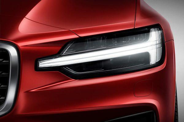 230901_New_Volvo_S60_R-Design_exterior