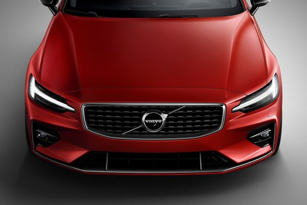 230902_New_Volvo_S60_R-Design_exterior